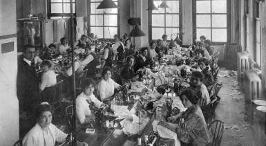 Women__s_Clothing_Factory_1914_by_skoshi8
