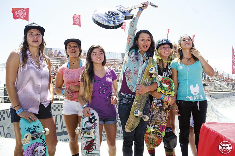 10_VANS_BOWL2013_GIRLS_Winners_S