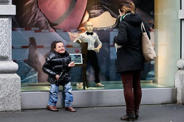 Disabled-Mannequins-8-600x399
