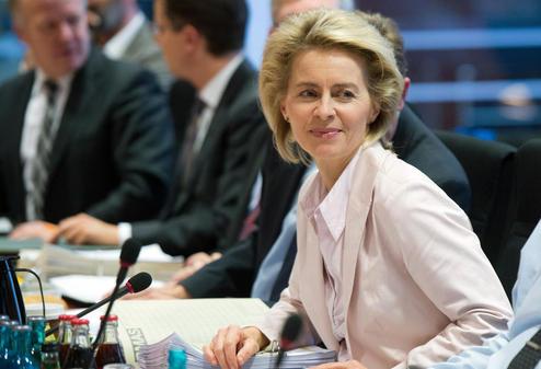 Von-der-Leyen-wird-Verdeidigungsministerin_pdaArticleWide