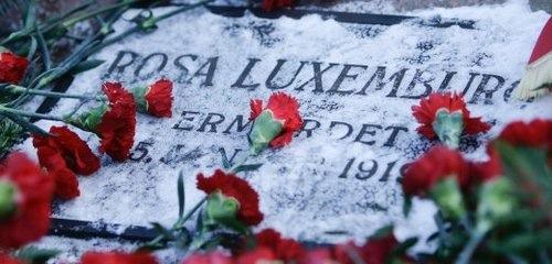 APTOPIX DEU Luxemburg Liebknecht Gedenken
