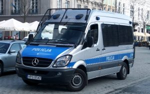 polic 2